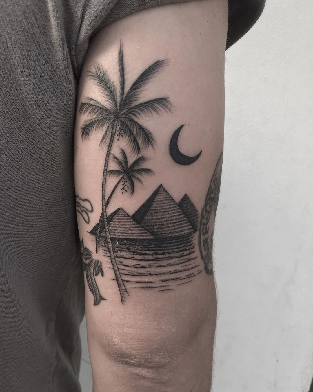 Egyptian night tattoo by @justinoliviertattoo