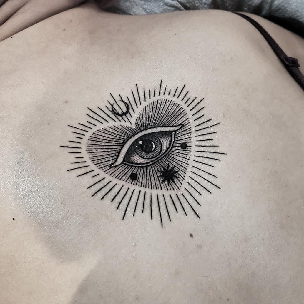 Eye heart by @thomasetattoos