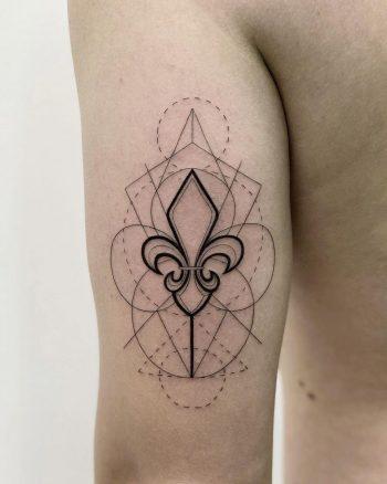 Fleur-de-lis geometry by @soychapa