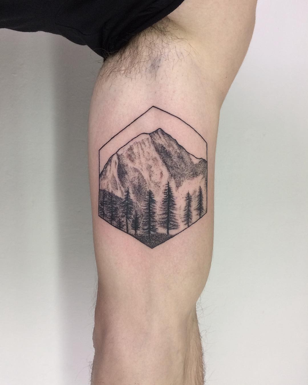 Mont Blanc 4808 tattoo by @sztuka_wojny