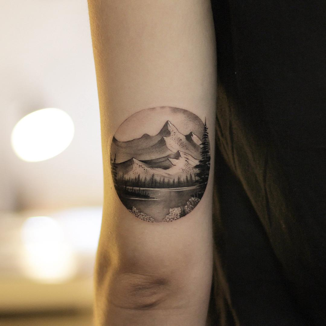Mountains by @xavtattoo