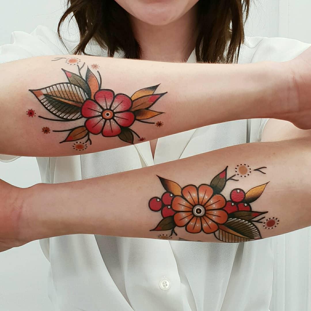 Pair of flowers by @rabtattoo