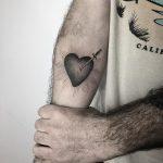 Pierced heart by @sztuka_wojny