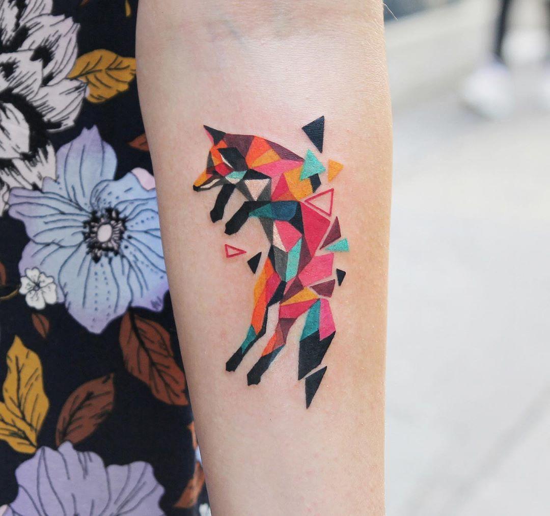 Polygonal fox by @polyc_sj