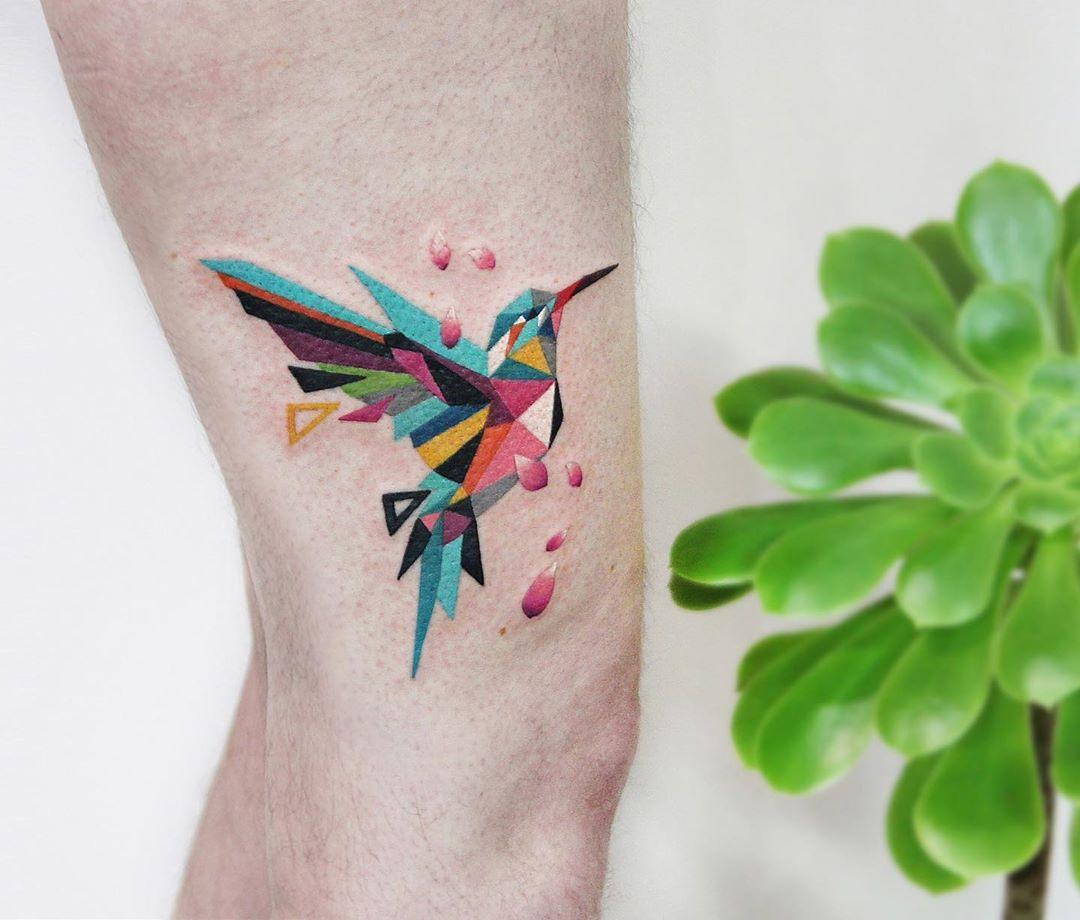 Polygonal hummingbird by @polyc_sj