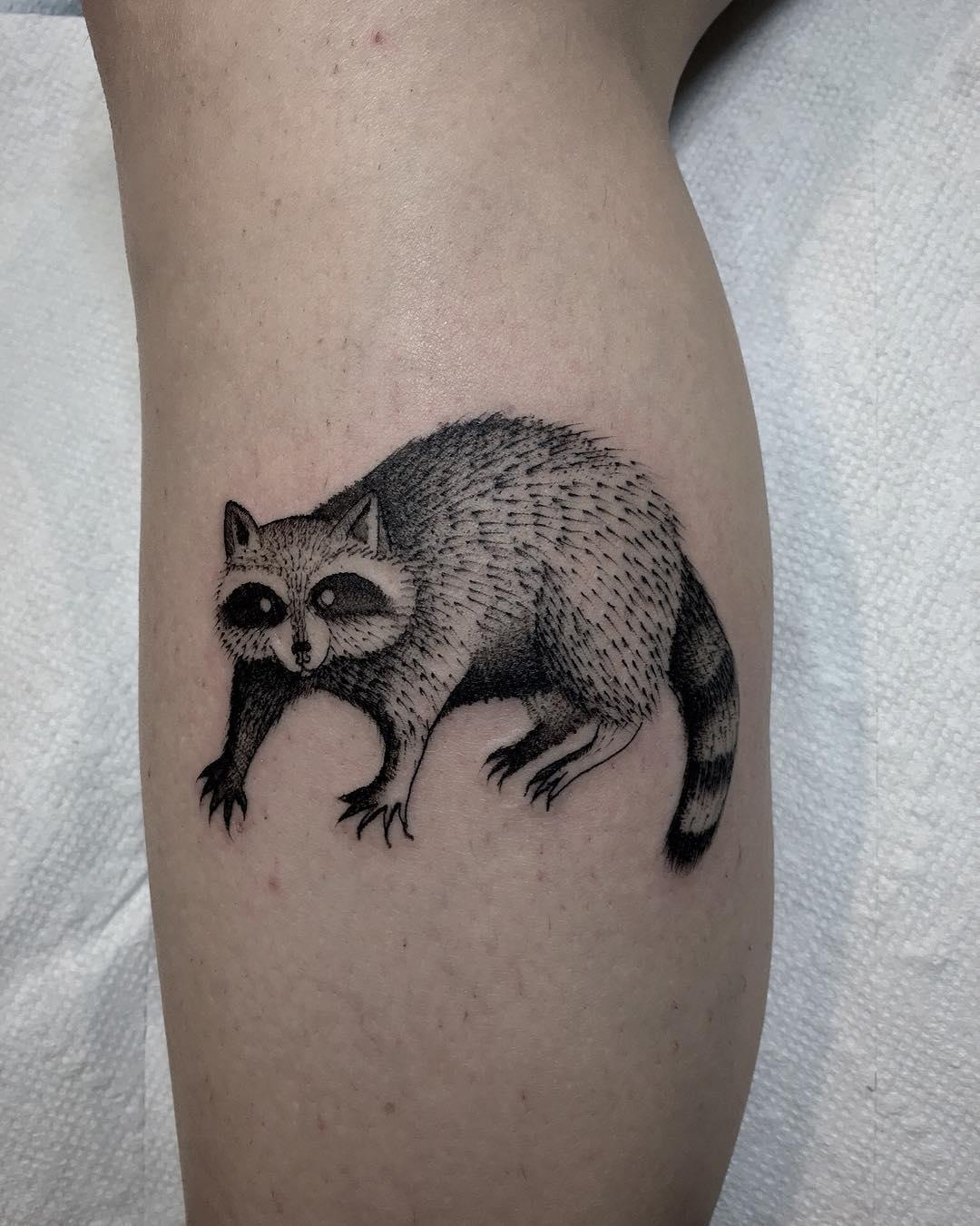 Raccoon by @justinoliviertattoo