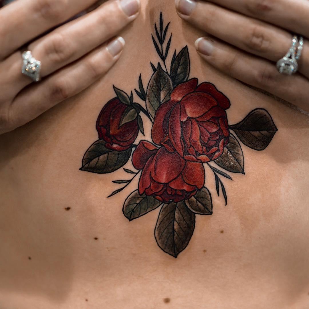 Sternum roses by @sophiabaughan