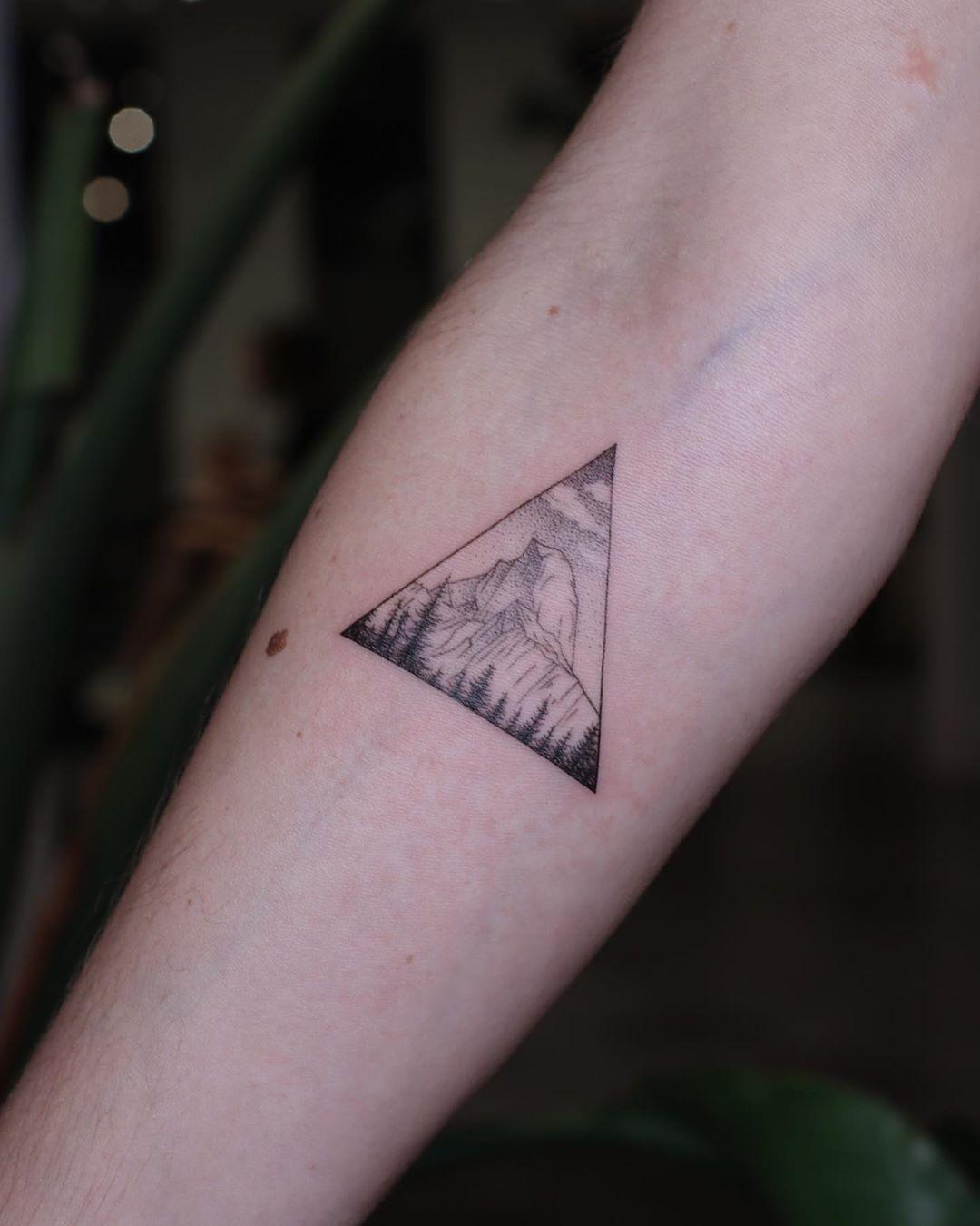 Tattoo for an outdoor spirit by @firstjing