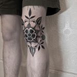 Tudor rose tattoo by @justinoliviertattoo