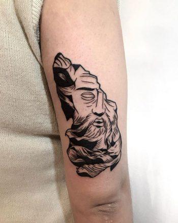 Zeus tattoo by @facundo.erpen