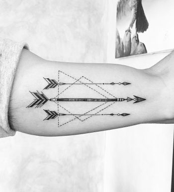 Arrows and geometry by @soychapa