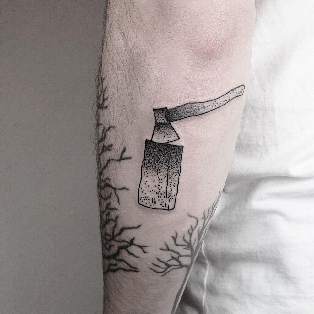 Ax and log tattoo by @mateutsa