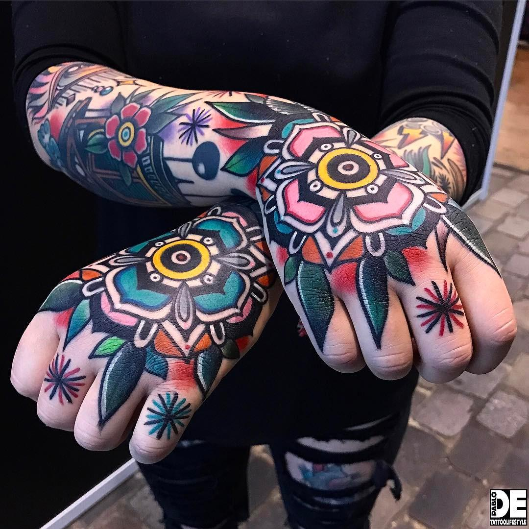 Colorful flowers by @pablo_de_tattoolifestyle