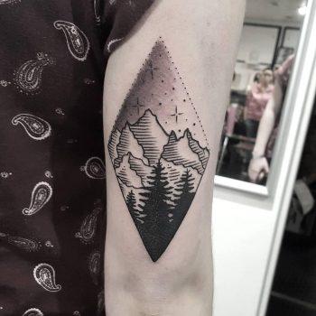 Mountain scene by @isaarttattoo