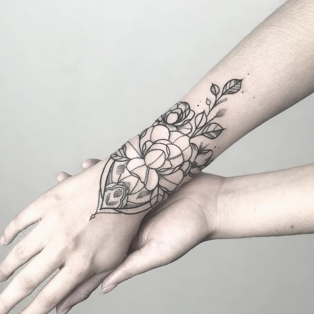 Ornamental flower by @sollefe