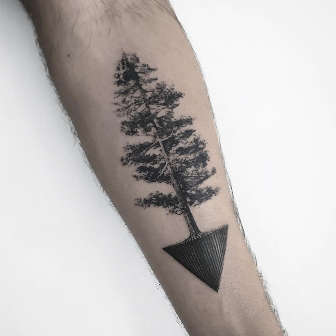 Tree and triangle by @farfallaink