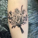 Wee Posy tattoo by @rebecca_vincent_tattoo