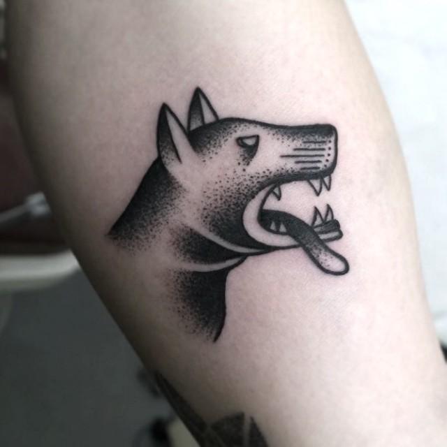 Angry doggo by @edzlotin