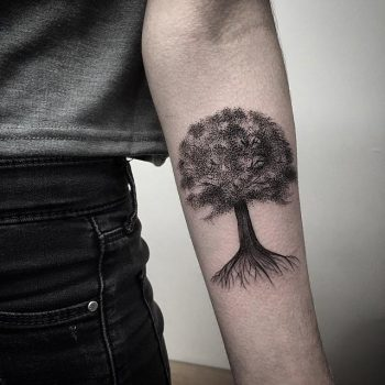Black and grey tree by @rebecca_vincent_tattoo