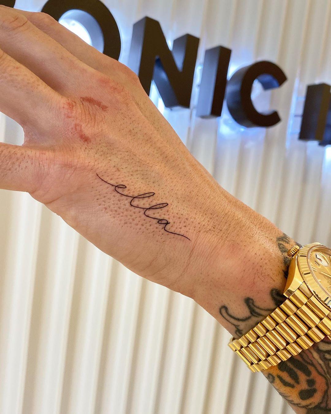 Ella tattoo by @joannamroman