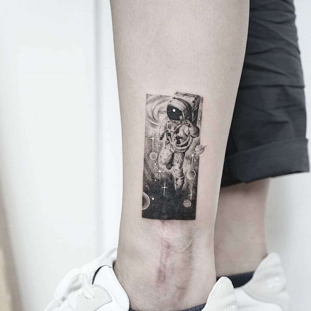Cover-up leg by tattooist Ian Wong