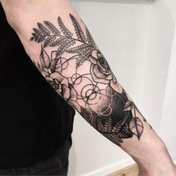 Custom tattoo by @vlada.2wnt2