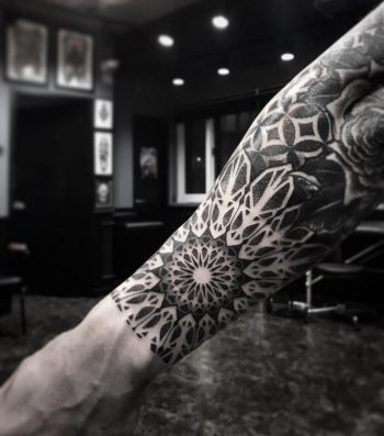 Foreamr mandala by tattooist Arang Eleven