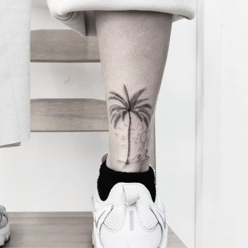 Palm tree by tattooist Ian Wong