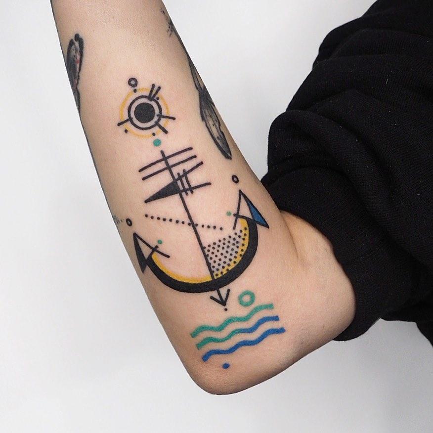 Anchor by tattooist Hen