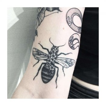 Bumblebee tattoo by @vlada.2wnt2