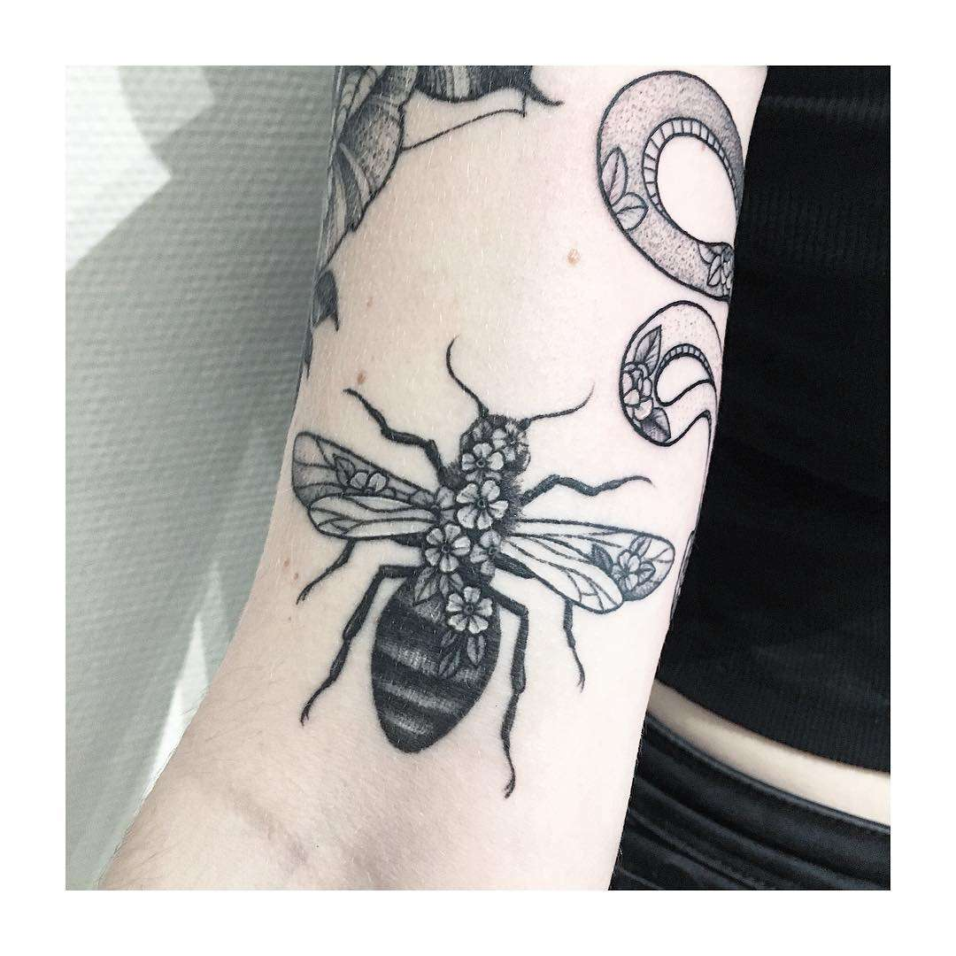 Bumblebee tattoo by @vlada.2wnt2