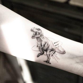 Dinosaur by tattooist Ian Wong