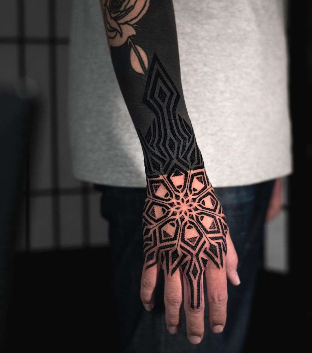 Mandala on the Right Hand by tattooist Arang Eleven