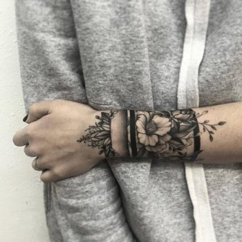 Floral armband by @vlada.2wnt2