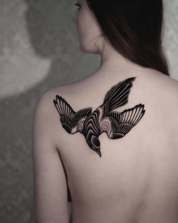 Magpie by tattooist Arang Eleven