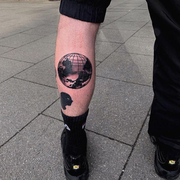 Flipped Chrome World Tattoo by @tatti040