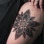Blackwork Mandala by tattooist Arang Eleven
